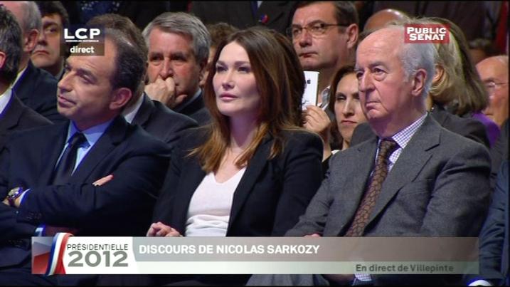 Carla Bruni-Sarkozy entouré de Jean-François Copé et d'Edouard Balladur à Villepinte