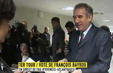 François Bayrou a voté Pau, dans les Pyrénées-Atlantiques, dès 8h30.
