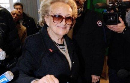 Bernadette Chirac a voté ce 22 avril 2012, pour elle et pour l'ancien Président Chirac.