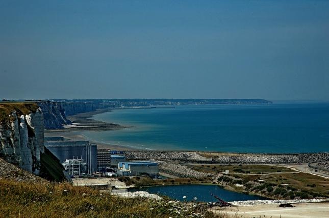 La côte normande vue sur la Centrale de Penly - cc isamiga