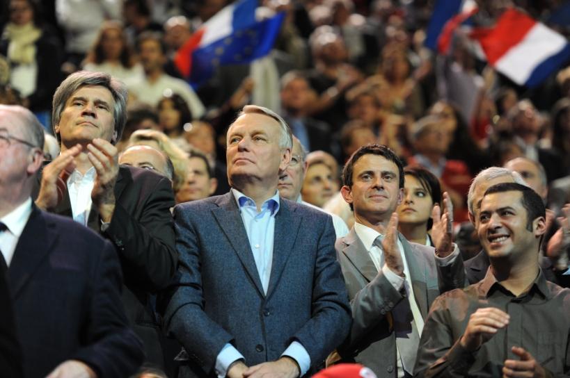 Jean-Marc Ayrault entouré de Manuel Valls, Stéphane Le Foll et Najat Vallaud-Belkacem à Bercy - © Razak