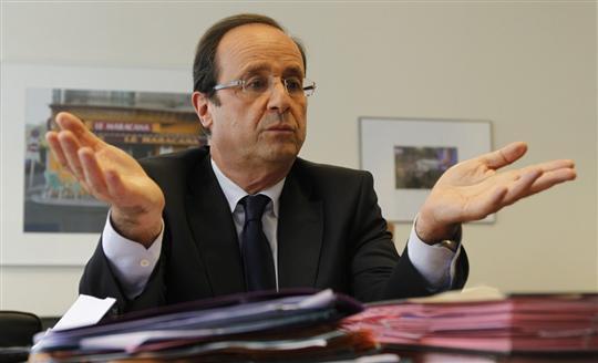 François Hollande dans son bureau de son QG de campagne - photo via Journal de Saone-et-Loire